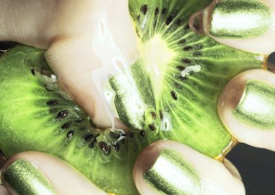 Nail Artist - Green Manicure