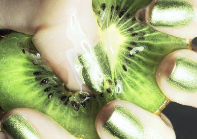 Nail Artist - Green Manicure